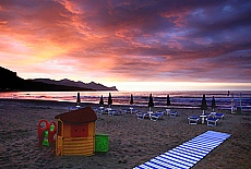 Sonnenuntergang am Strand von Castellamare del Golfo (November)
