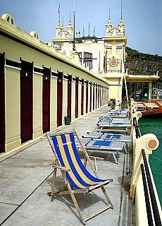 Mondänes Jugendstilseebad Mondello bei Palermo (August)