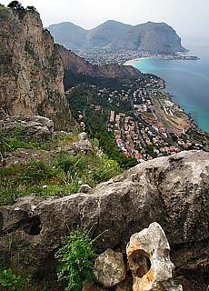 Blick vom Monte Pellegrino in die Bucht von Modello (Oktober)