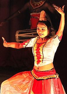 Kandy Tänzerin (März)