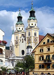 Barocke Domkirche in Brixen (Januar)