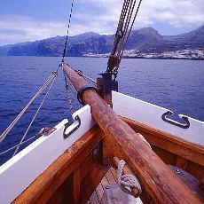 Segelschiff vor Los Gigantos (Januar)